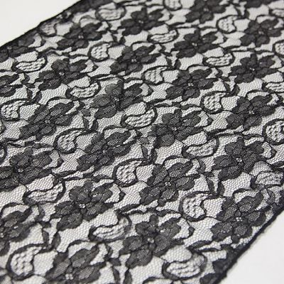 LACE TABLE RUNNERS BLACK