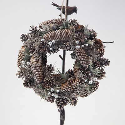 Frosted Pinecone Christmas Wreath